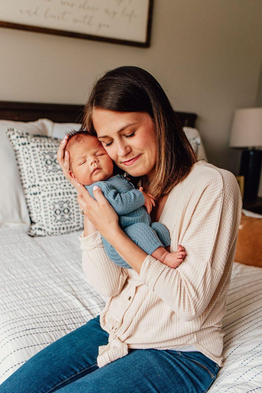 in-home newborn photographer appleton wi
